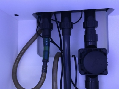 オーバーフロー水槽の配管模様