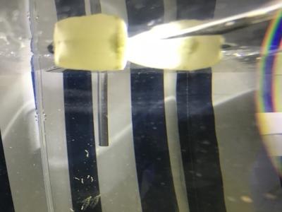 ガラス面についた水垢汚れ