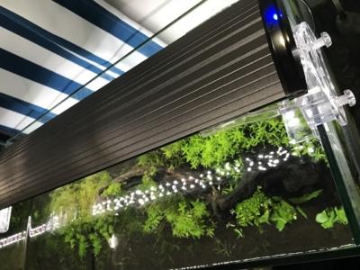 コトブキ工芸社製、水槽用照明「レイマックス」