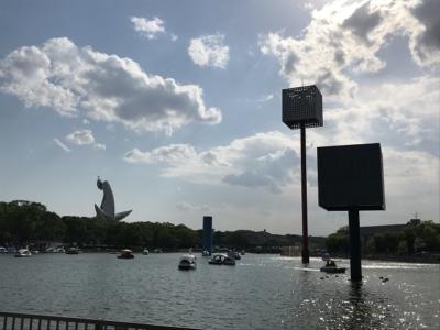 万博記念公園のスワンボート